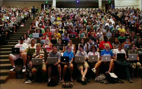 The University School of Journalism requires Macs